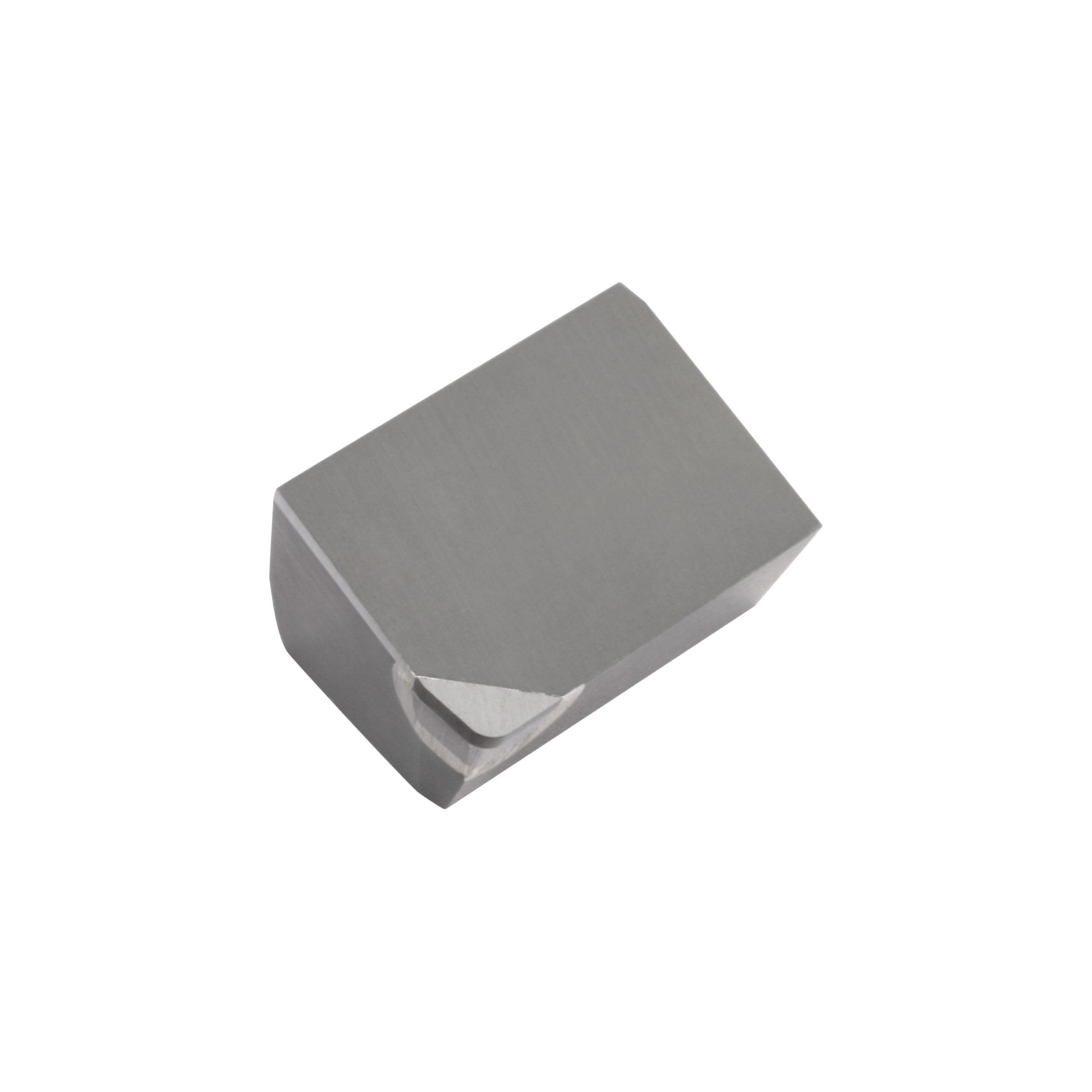 Die PKD-Schneidplatten der KBDM-Baureihe sind in zahlreichen unterschiedlichen Abmessungen verfügbar. Im Bild eine Mini-Schneidplatte für Schlichtschnitte.
