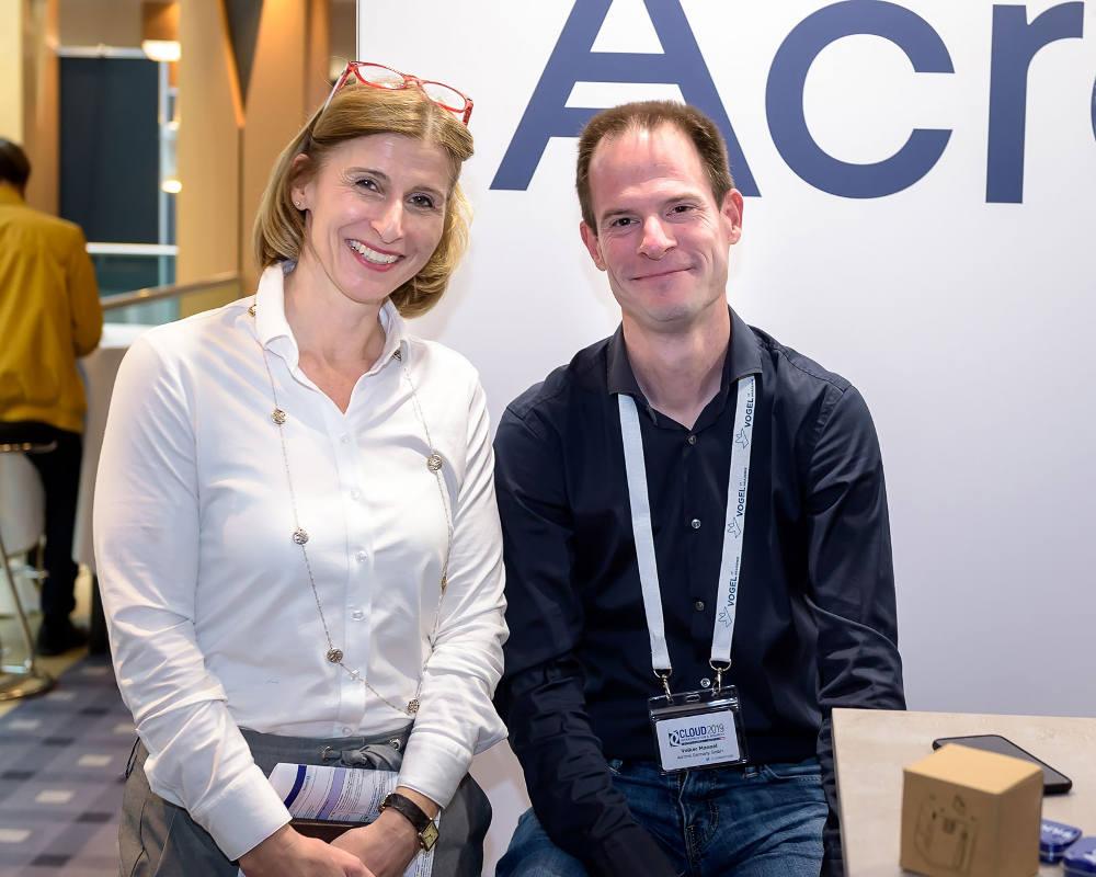 Daniela Schilling, Director Vogel IT Akademie, und Volker Mannel von Acronis freuen sich auf anregende Gespräche.