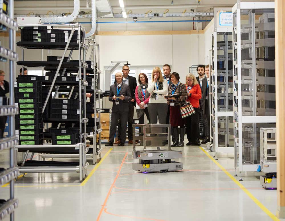 Am Standort in Freiburg wird Industrie 4.0 bereits gelebt – auf der Hannover Messe erhalten Besucher einen ersten Einblick.