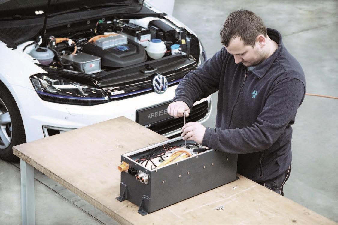 Kreisel Electric entwickelt und fertigt Hochleistungsbatterien für Automobile, Boote und Flugzeuge.
