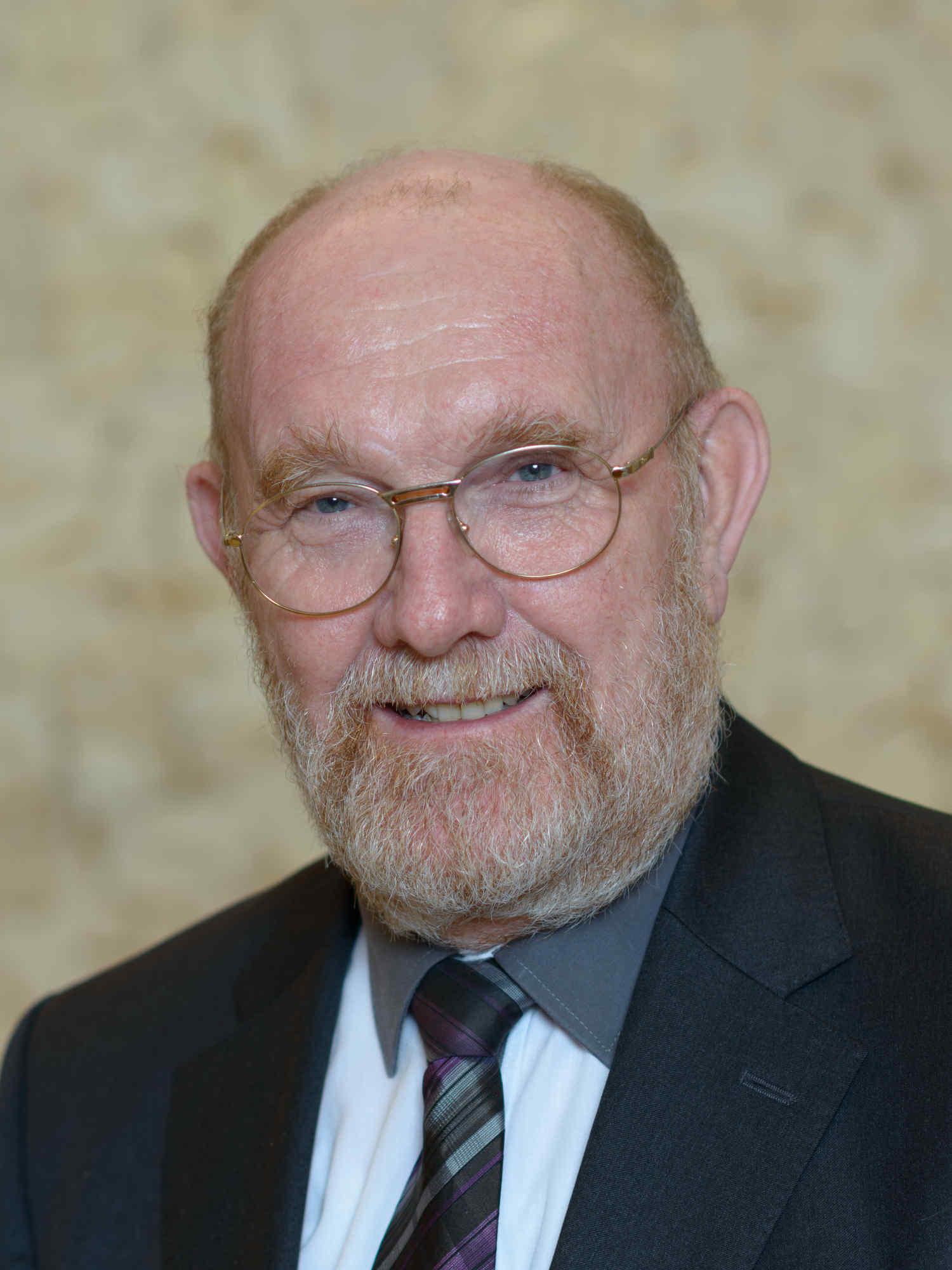 Prof. Dr. Manfred Wöhrl ist aktuell in 4 Arbeitskreisen des Austrian-Standard-Instituts aktiv tätig - speziell auch zum Thema EU-DSGVO.