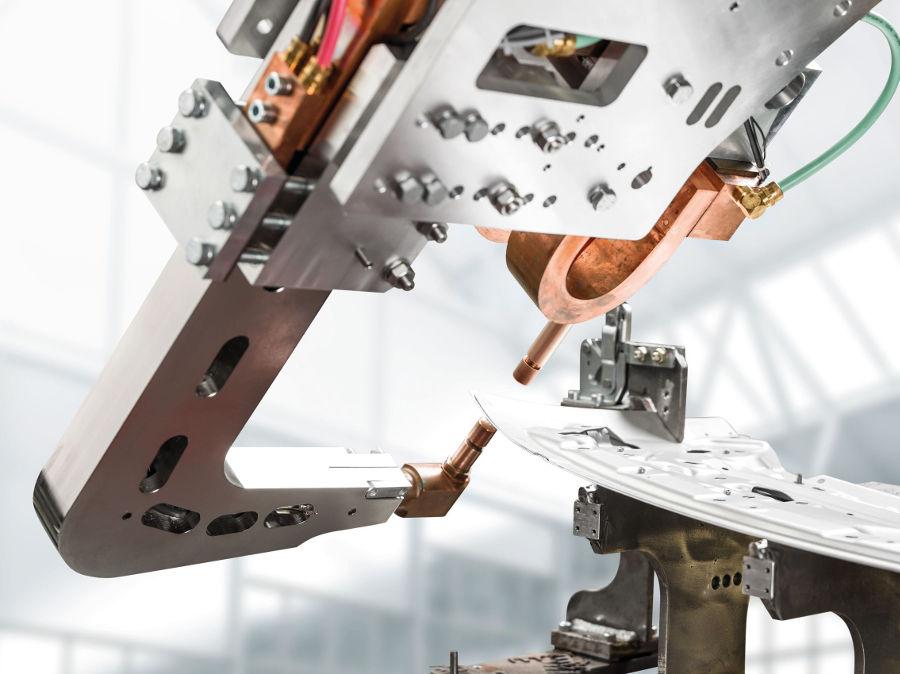 Das Punktschweißsystem DeltaCon wurde speziell für Aluminium-Anwendungen entwickelt.