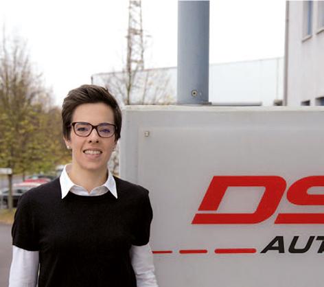 """Das Hochhub-FtF Amadeus wurde für den selbstfahrenden Betrieb geschaffen und punktet mit einer sehr kompakten Bau- form sowie überlegener Personensicherheit. Oscar Omni gewährleistet Uunterfahr-FtF auch beladen die volle Rundumsicht für seine Sicherheitssensoren."""" Eva Hertel, Produktmanagerin DS Automotion GmbH"""