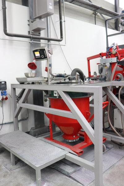 Der Anlagenbauer MIXACO aus Deutschland integriert Minebea Intec Technologien in seine Dosier- und Verwiegungsstationen