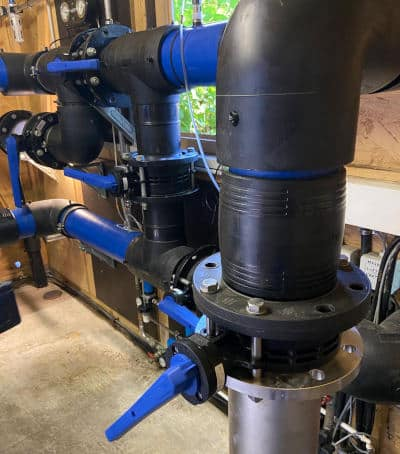 Die neue Absperrklappe besteht aus Hochleistungsthermoplasten. Sie schützen die Absperrklappe 565 auch unter rauen Bedingungen wie Druckstößen und extremen Temperaturen vor Schäden.