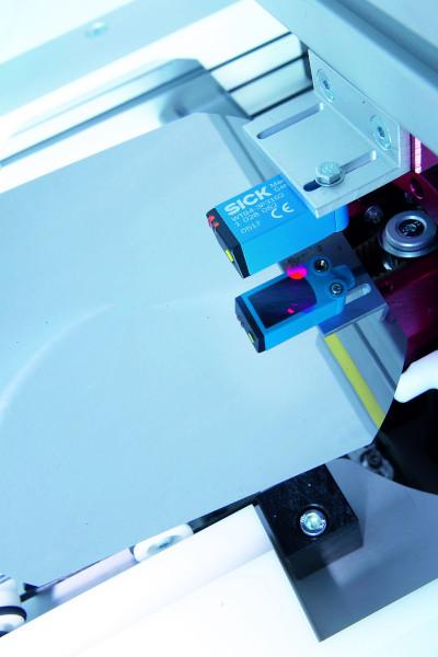 Spezielle Sensorvarianten erfassen zuverlässig die starkreflektierenden Wafer.