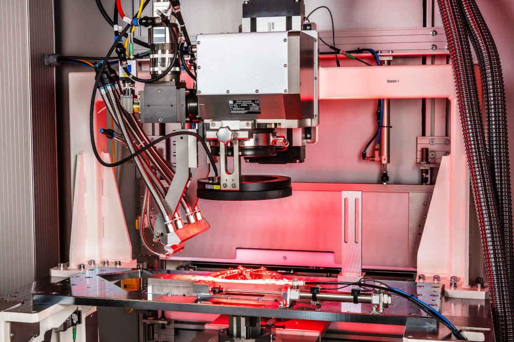 Für das Positionieren des Lasers zur Schweißung eines Rotors und dessen Geometrie ist eine Bewegungseinheit mit Scanner-Optik ideal.   Bild: LMB Automation GmbH